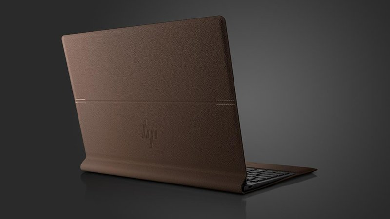 HP Spectre Folio – laptop position from behind